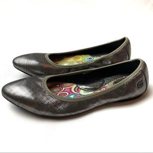 Born Leather Silver Pointed Toe Ballet Flats 7.5